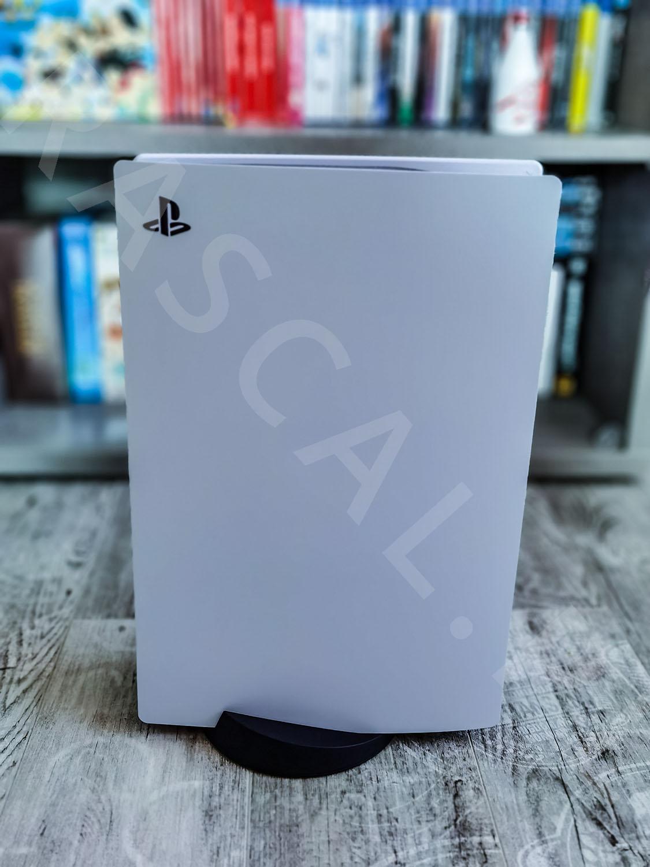 Playstation 5 - przedni panel konsoli - mini recenzja - rascal.pl